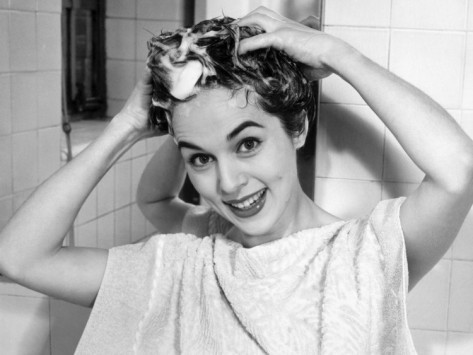 George-marks-woman-shampooing-her-hair